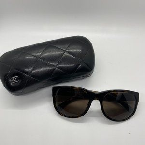 Lightly used Chanel Dark Tortoise Sunglasses 5182
